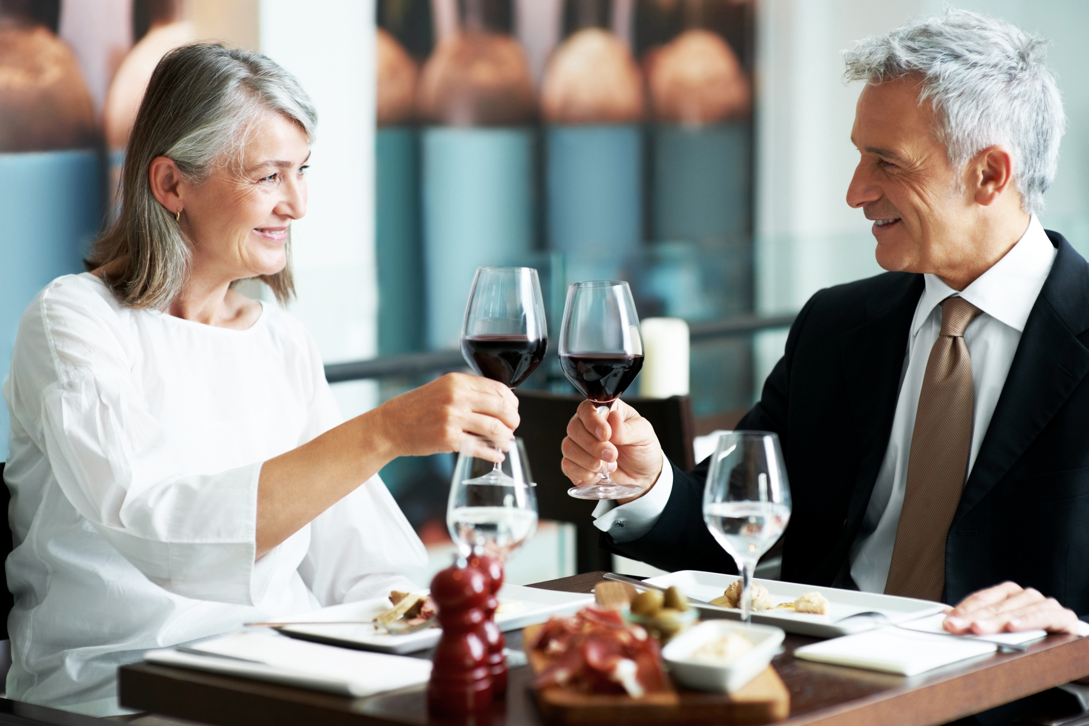 7 Best First Date Tips for Seniors